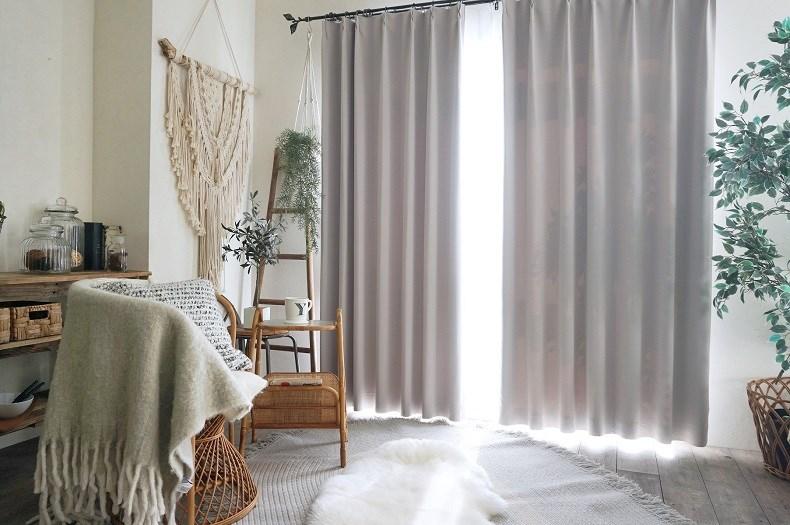 グレー無地のカーテン